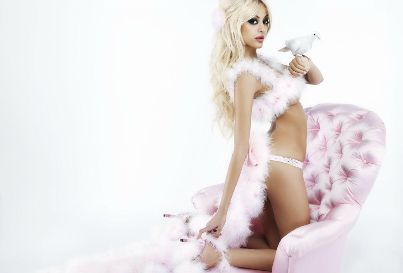 newlike magazine féminin vous propose les nouvelles Photos zahia